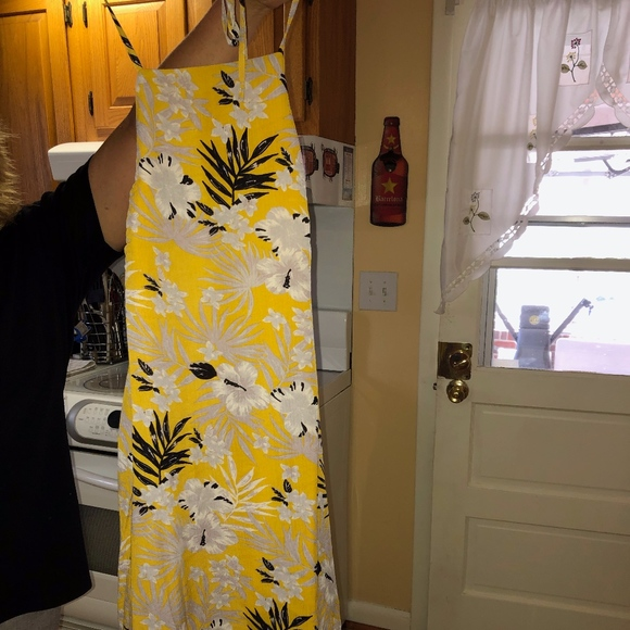 Lulu's Dresses & Skirts - SOFI MUSTARD YELLOW TROPICAL PRINT HALTER DRESS